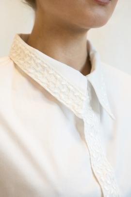 camicia cotone e pizzo sposa dettaglio